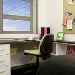 Thumb_student-accommodation-crm-students-russell-view