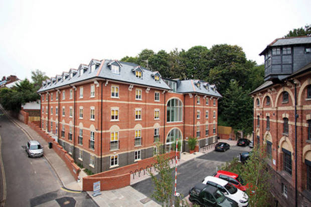 Medium_student-accommodation-crm-students-iron-bridge-studios